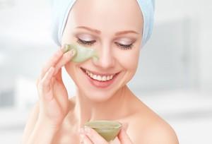 Jangan Dibuang! Manfaatkan Kulit Pisang dan Pepaya untuk Masker Wajah Alami (1)