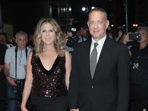 Cerita Manisnya Tom Hanks Temani Istri Jalani Pengobatan Kanker Payudara