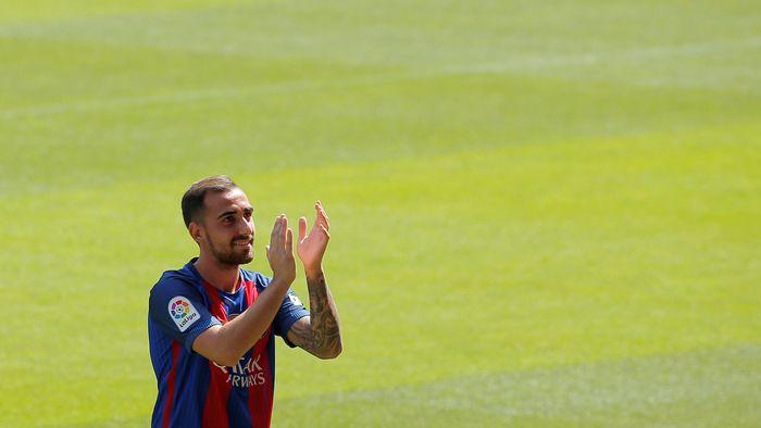 Paco Alcacer saat masih di Barcelona (Foto: REUTERS/Stringer)