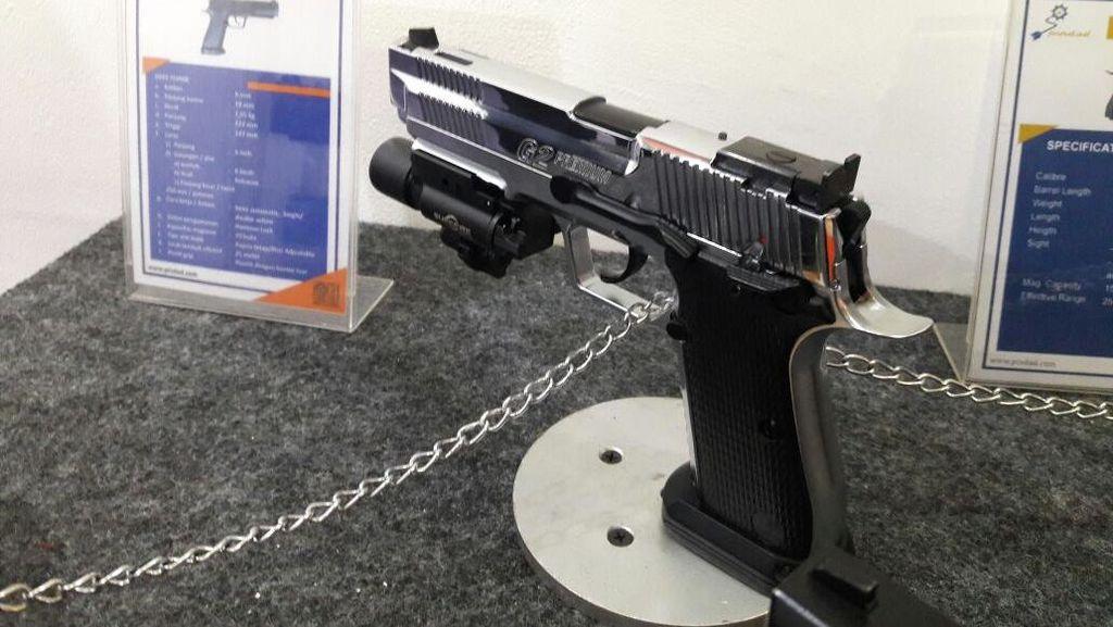 Pistol G2 Premium Buatan Pindad Dihargai Rp 35 Juta