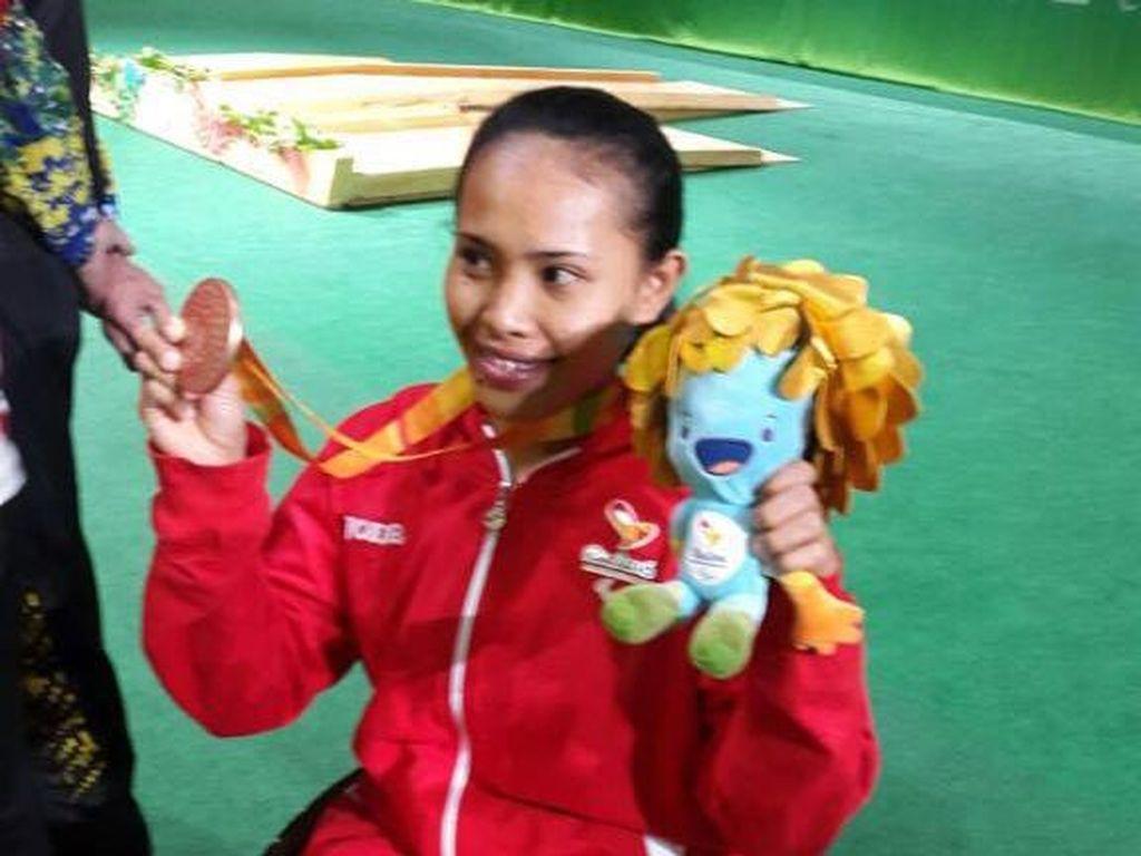 Angkat Berat Beri Medali Pertama untuk Indonesia di Paralimpiade 2016