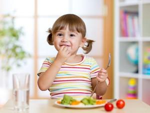 Si Kecil Tak Mudah Sakit dengan Rutin Konsumsi 5 Makanan Enak Ini