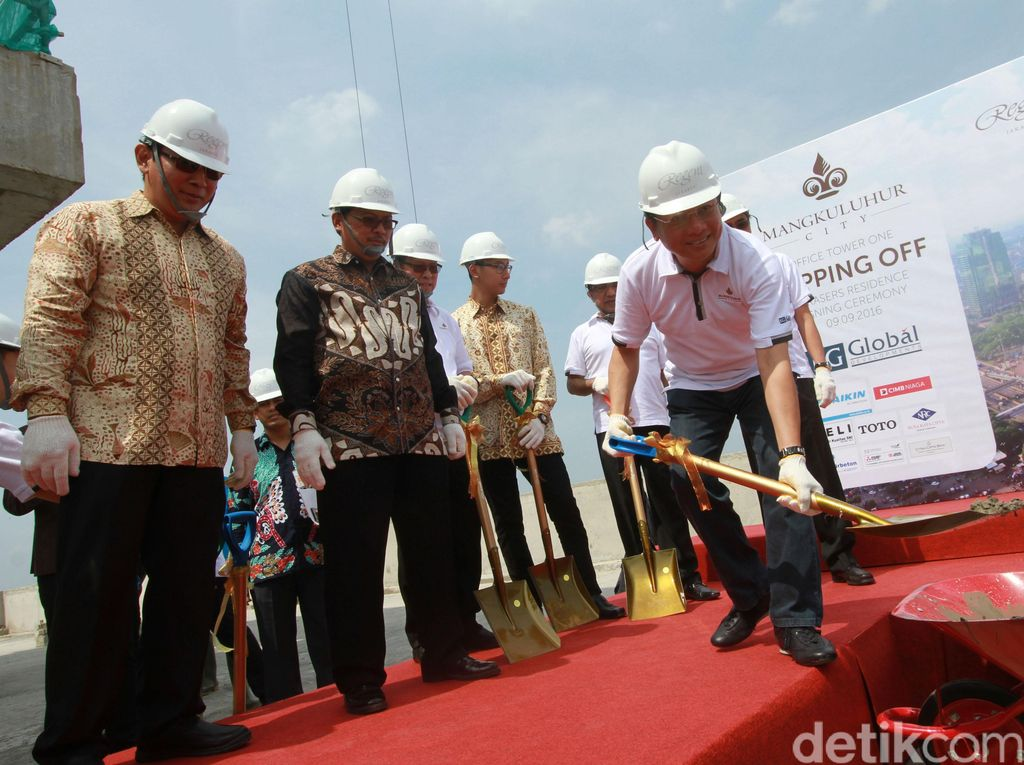 Mangkuluhur City Lakukan Topping Off Office Tower One
