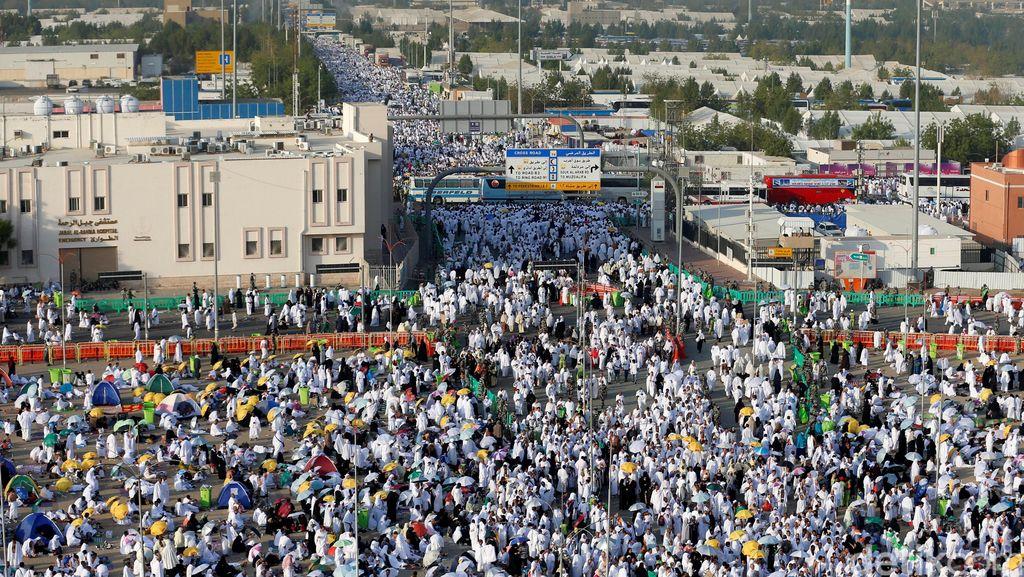 Minyak Murah, Akankah Musim Haji Membantu Pemasukan Arab Saudi?