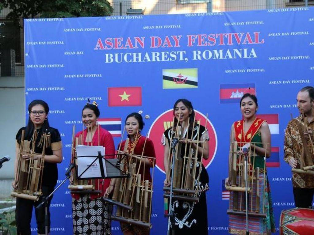 Mengenang Kemeriahan Festival ASEAN di Bukarest, Rumania