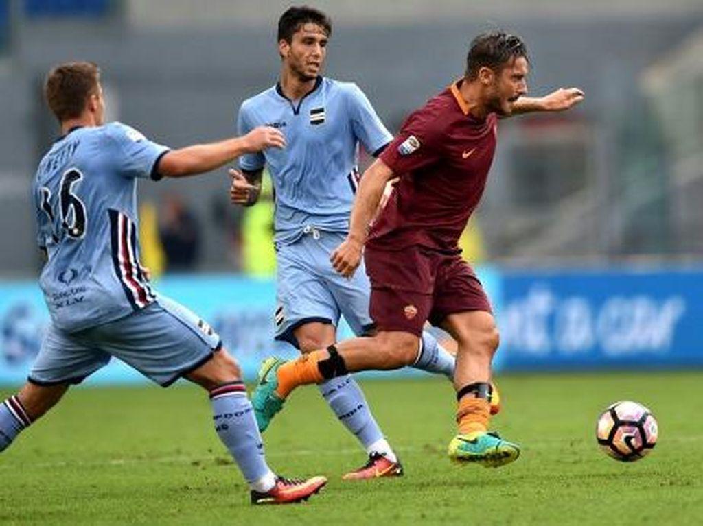 Penalti Totti di Injury Time Menangkan Roma atas Sampdoria