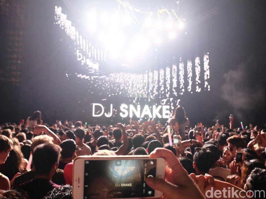 Afrojack dan DJ Snake Panaskan Panggung Ultra Singapore 2016