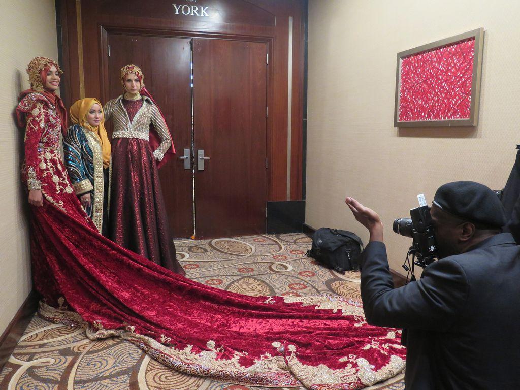 Kembali Tampil di Couture Fashion Week NY, Karya Anniesa Hasibuan Jadi Sorotan
