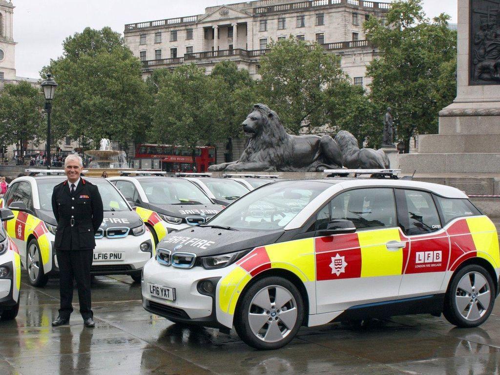 Petugas Pemadam Kebakaran London Dibekali BMW i3