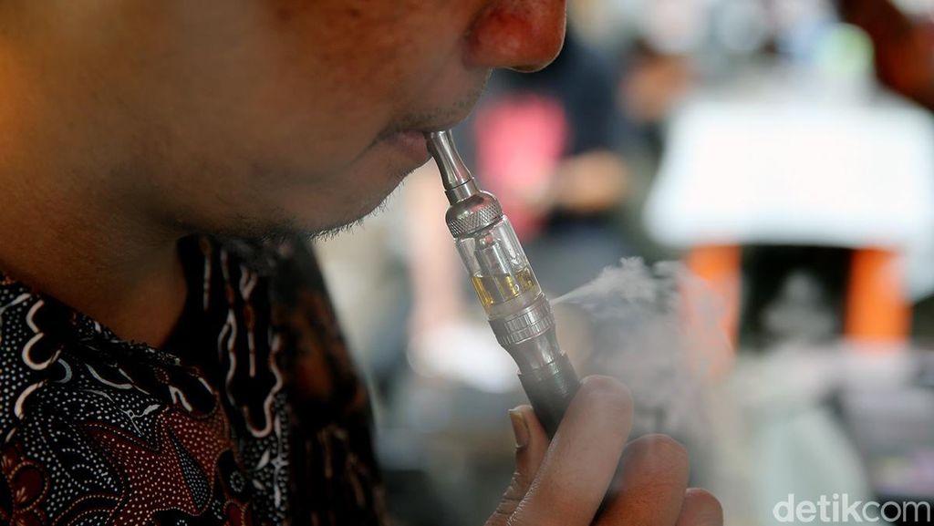 Tak Cuma Rokok Biasa, Rokok Elektrik Juga Ancam Rusak Gusi