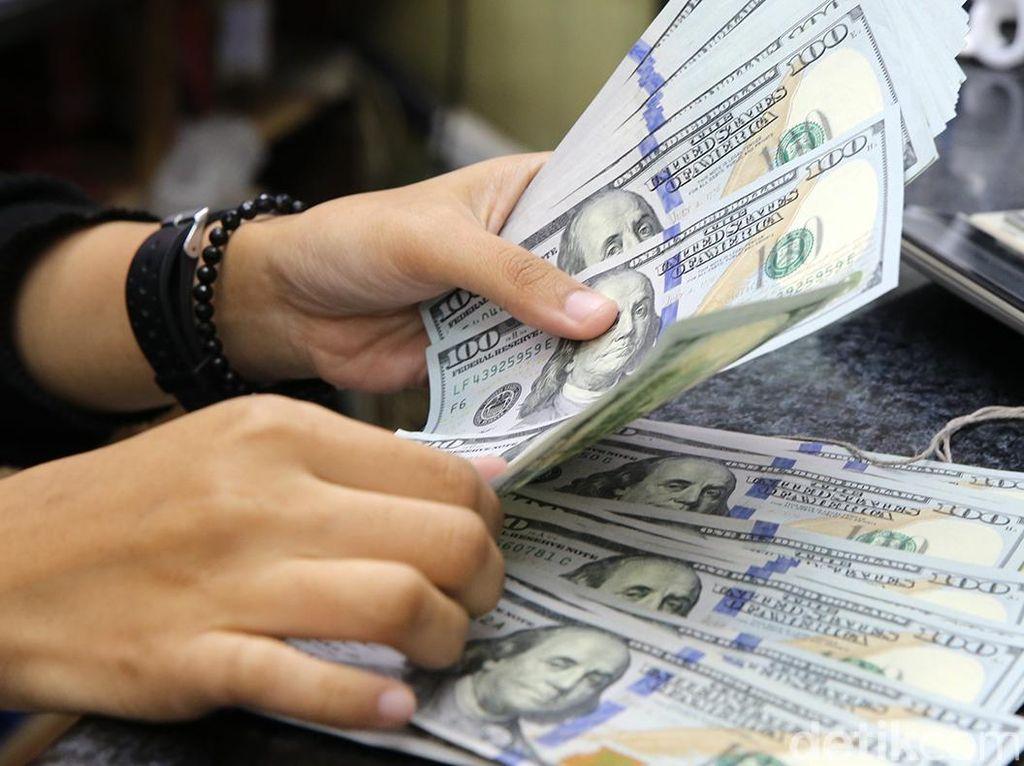 Dolar AS Ngamuk Lagi, Rupiah Digencet ke Rp 13.945