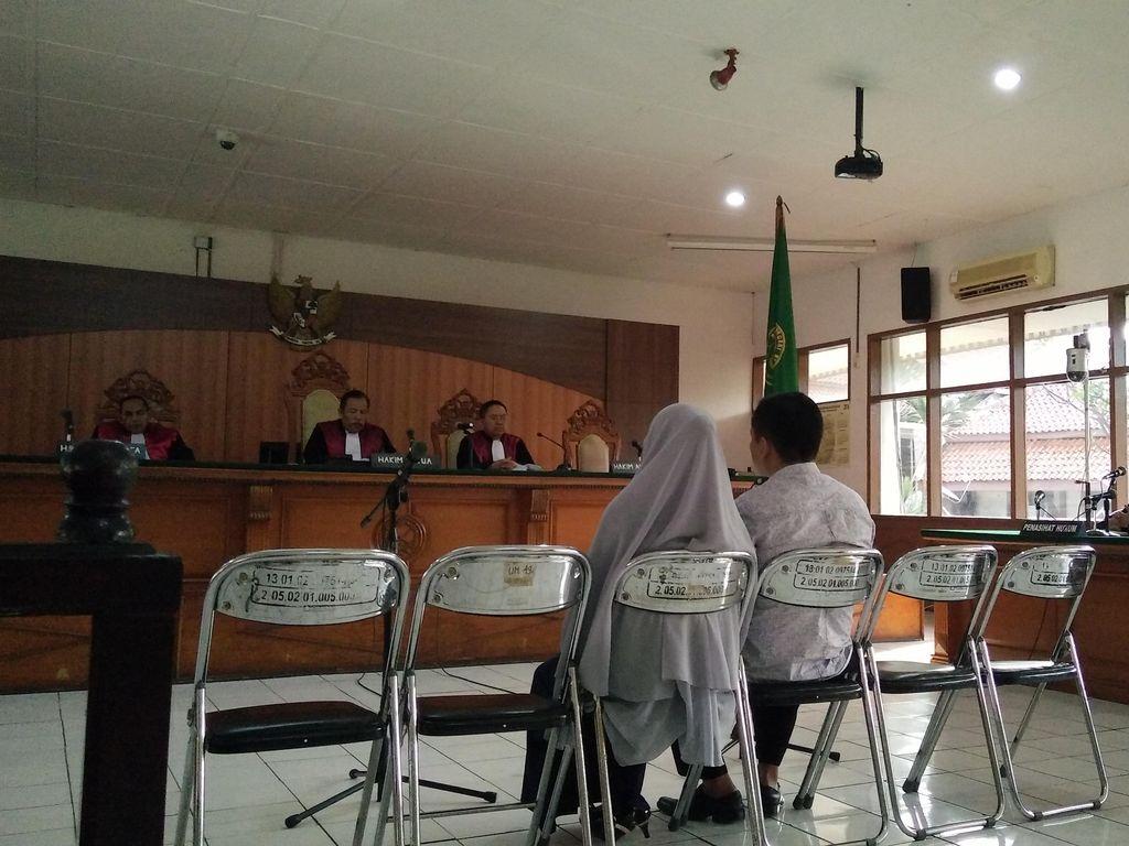 Suap Jaksa, Mantan Kadinkes Subang dan Istri Divonis 2 Tahun Penjara