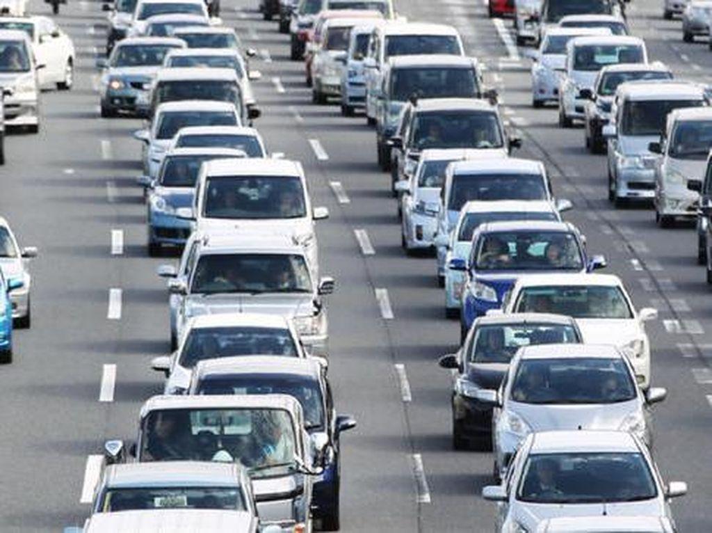 Mobil di Jepang Tanpa Kaca Film Biar Gampang Ditangkap CCTV