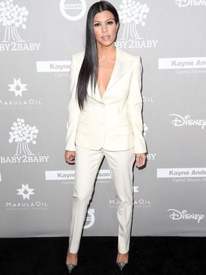 Trik Kourtney Kardashian Cegah Kalap Makan di Restoran, Kamu Juga Bisa Coba