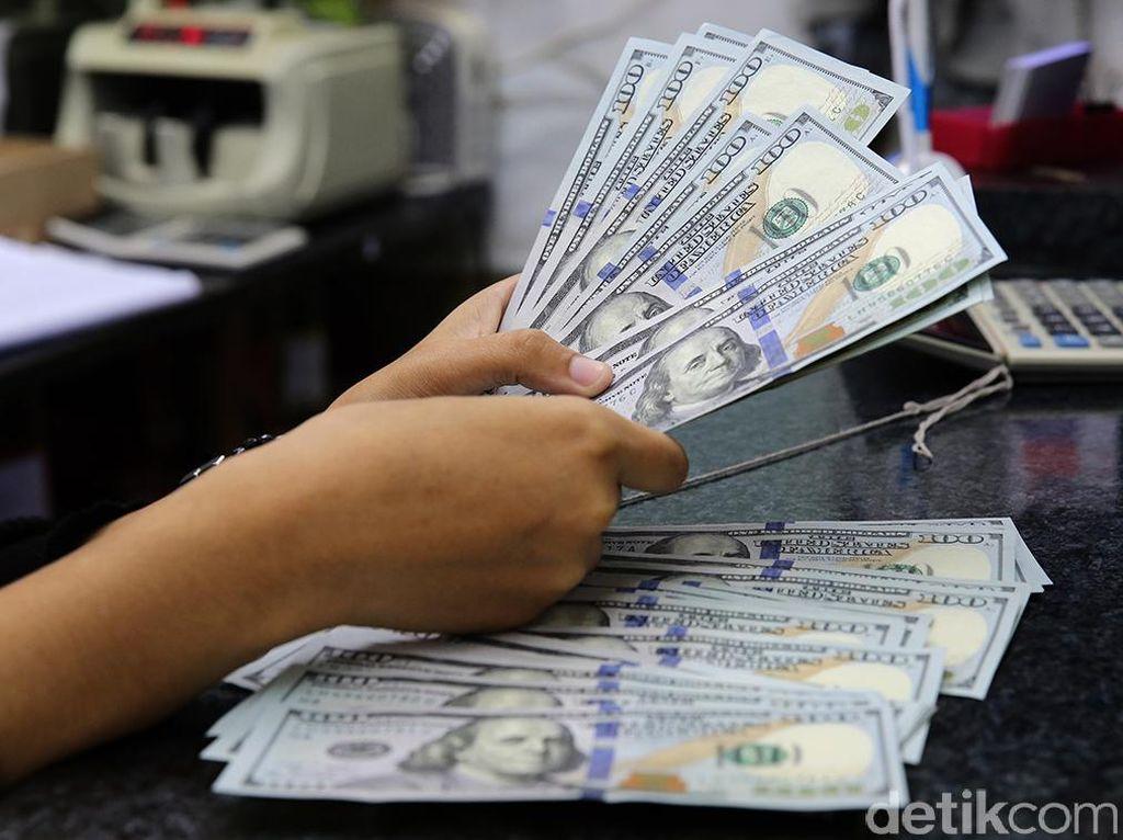 Bank Kompak Jual Dolar AS di Atas Rp 14.200