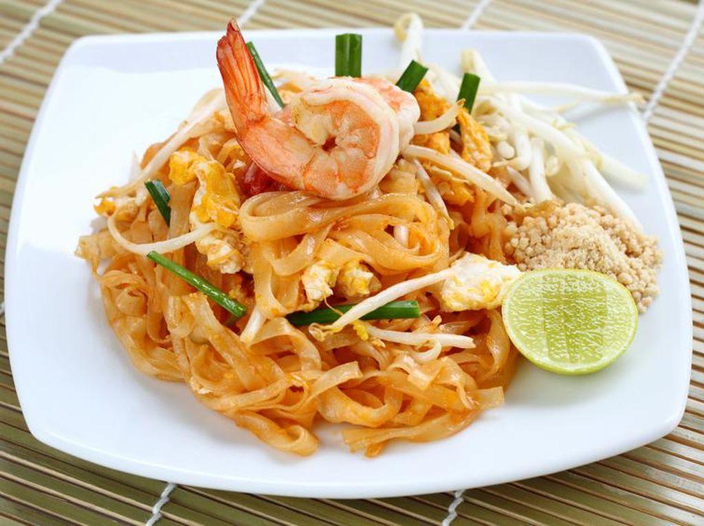 Pad Thai, Mie Goreng Thailand yang Pedas Gurih Ada di 5 Restoran Ini