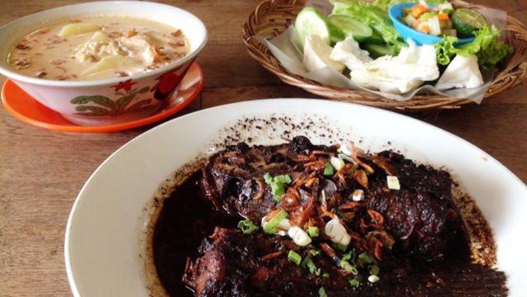 Dapur Betawi: Enaknye, Gabus Pucung dan Sayur Besan yang Legendaris dari Betawi