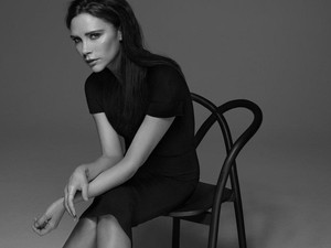 Victoria Beckham Mengaku Kalah Supel dari Putrinya