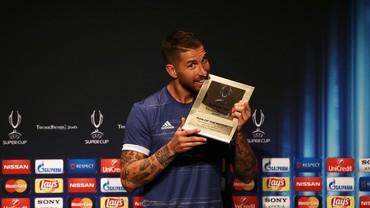 Cerita Sepatu Hitam Sergio Ramos