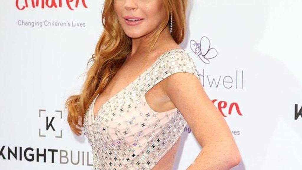 Lindsay Lohan Hapus Semua Foto di Instagram, Ini Alasannya