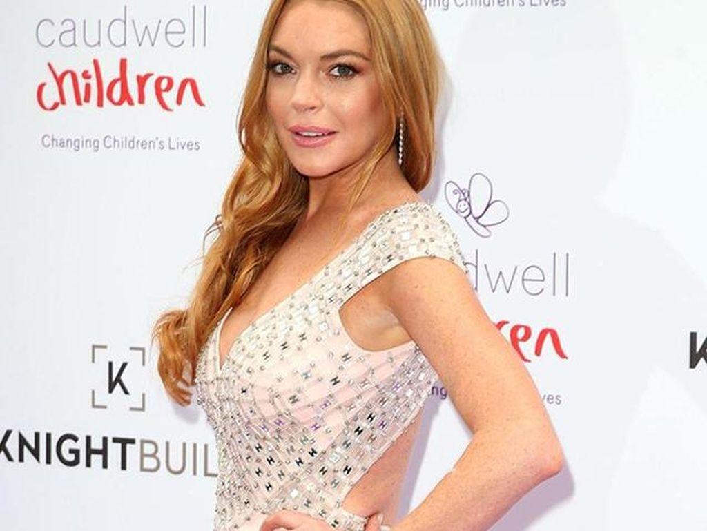 Lindsay Lohan Dikabarkan Ikut Puasa Selama Ramadan