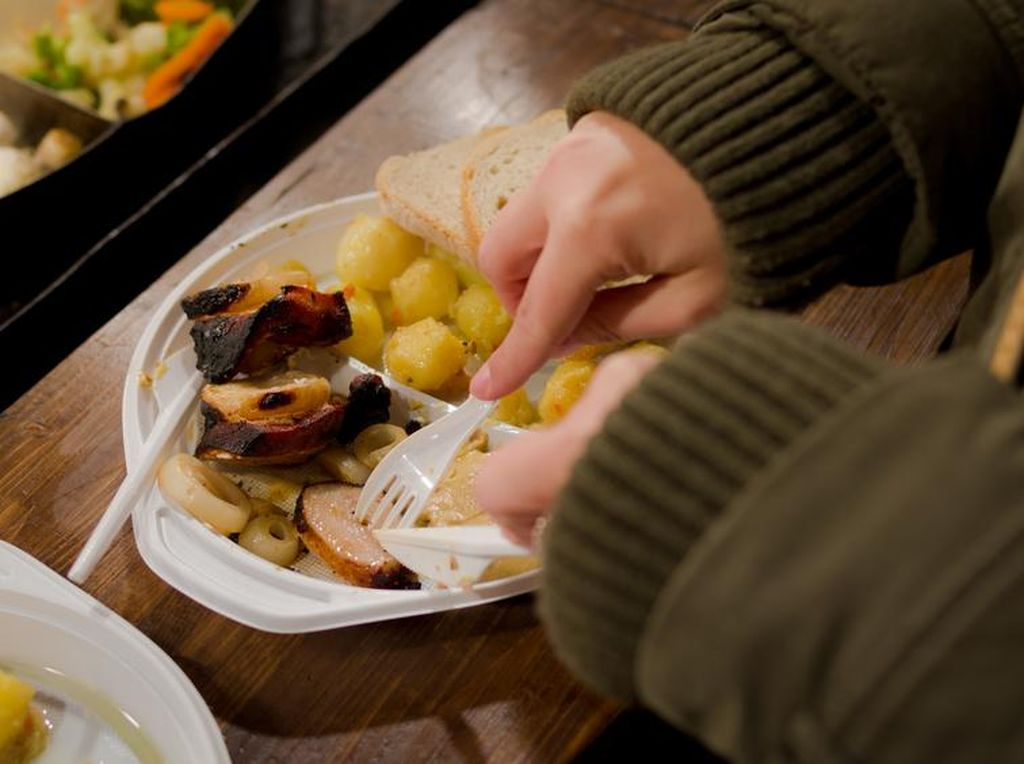 Prancis Akan Keluarkan Larangan Alat Makan Plastik pada Tahun 2020