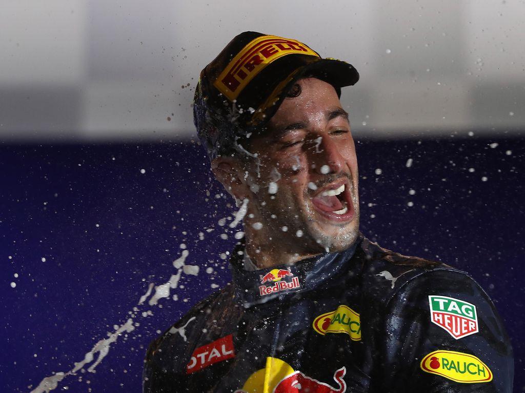 Pensiunnya Rosberg Diprediksi Tambah Peluang Ricciardo Jadi Juara Dunia