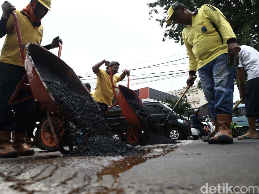 Kualitas Jalanan di Jakarta Buruk, Kapan Sih Diperbaikinya?