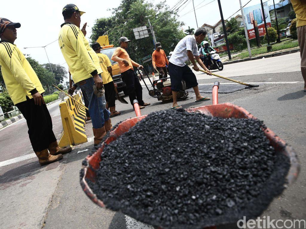 Anggaran Perbaikan Jalan di DKI Jakarta 2021 Sebesar Rp 30 Miliar
