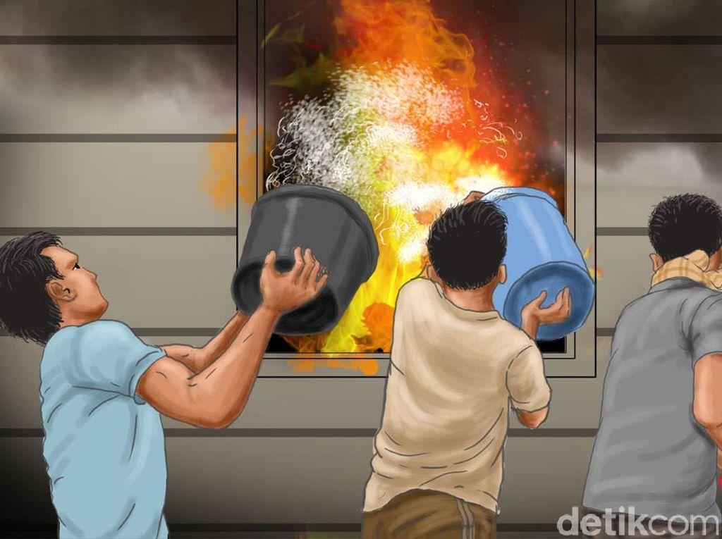 Ngeri! Ibu dan Anak Loncat dari Atap Rumah yang Terbakar di Berau Kaltim