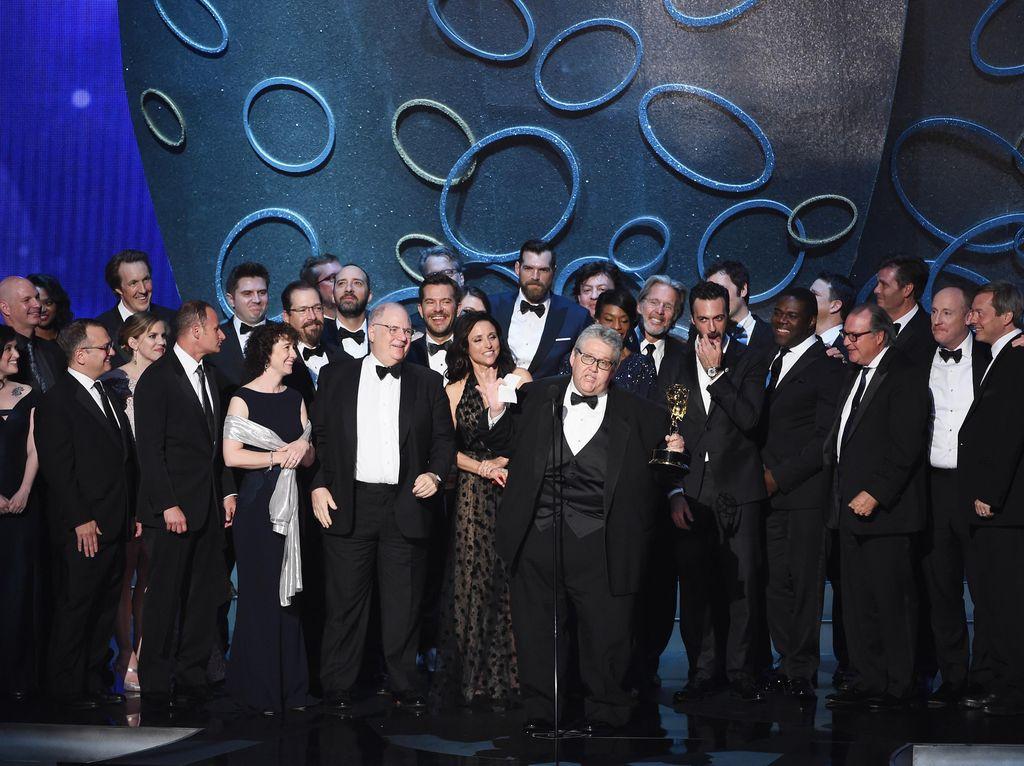 Daftar Lengkap Peraih Emmy Awards 2016