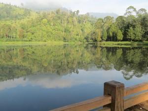 Bukan Swiss, Ini Danau Cantik di Bandung yang Kamu Mesti Tahu