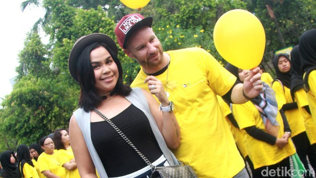 Jarang Terlihat Dimasakin Melanie Ricardo, Tyson Lynch Lebih Sering Masak Sendiri