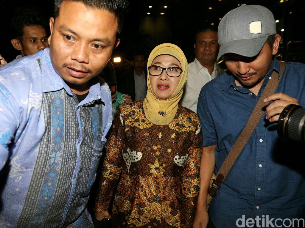Sosok Anna Sophanah, Bupati Indramayu yang Mengundurkan Diri