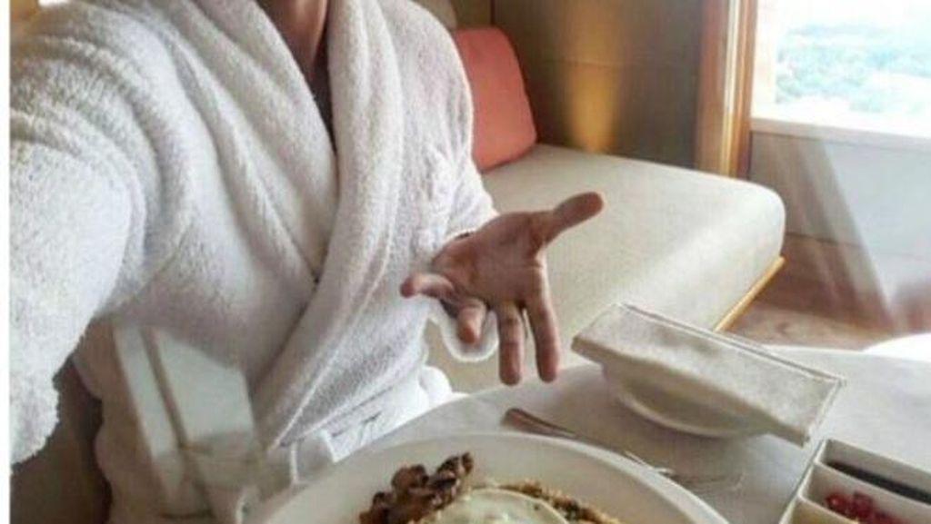 Cuitan Rio Ferdinand Soal Nasi Goreng Makanan Singapura Buat Heboh