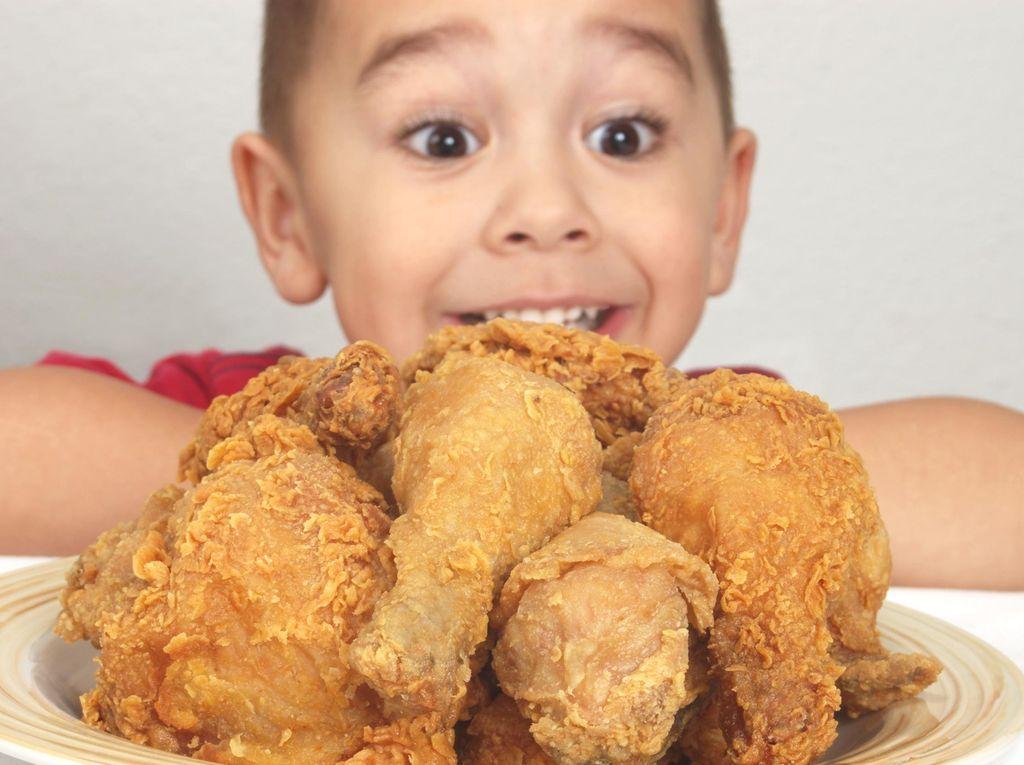 Si Kecil Cuma Mau Makan Nasi dan Ayam Goreng? Ini Trik Agar Mau Konsumsi Sayur