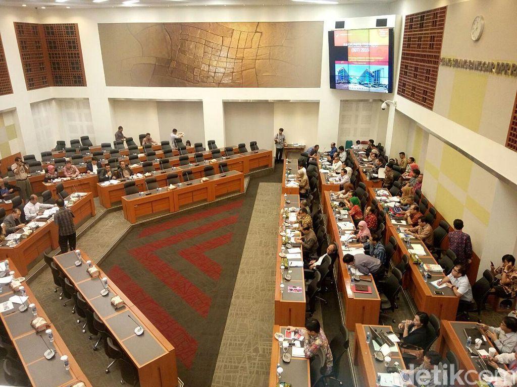 Pemerintah dan Banggar DPR Bahas Subsidi Energi 2017
