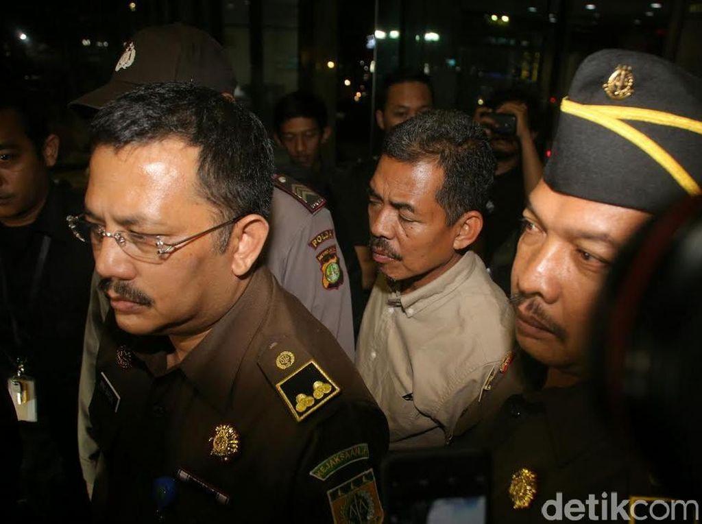 Jaksa Farizal Tersangka Suap KPK Dikawal Ketat Koleganya Saat ke KPK, Kenapa?