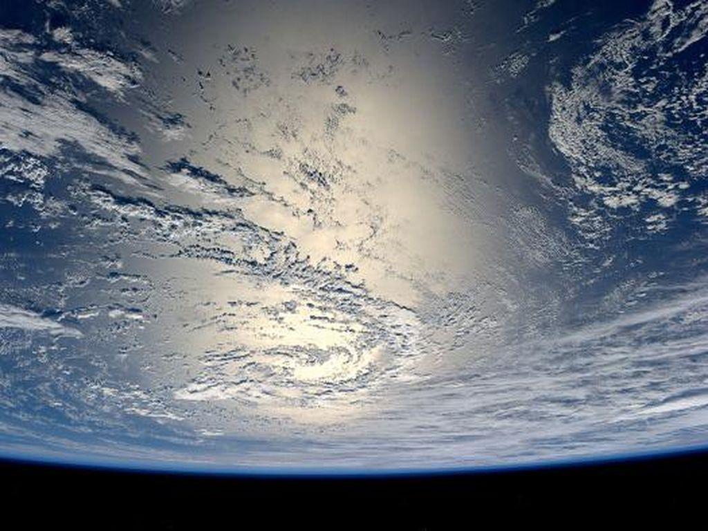 Bumi Terima Sinyal Misterius dari Luar Angkasa Tiap 157 Hari