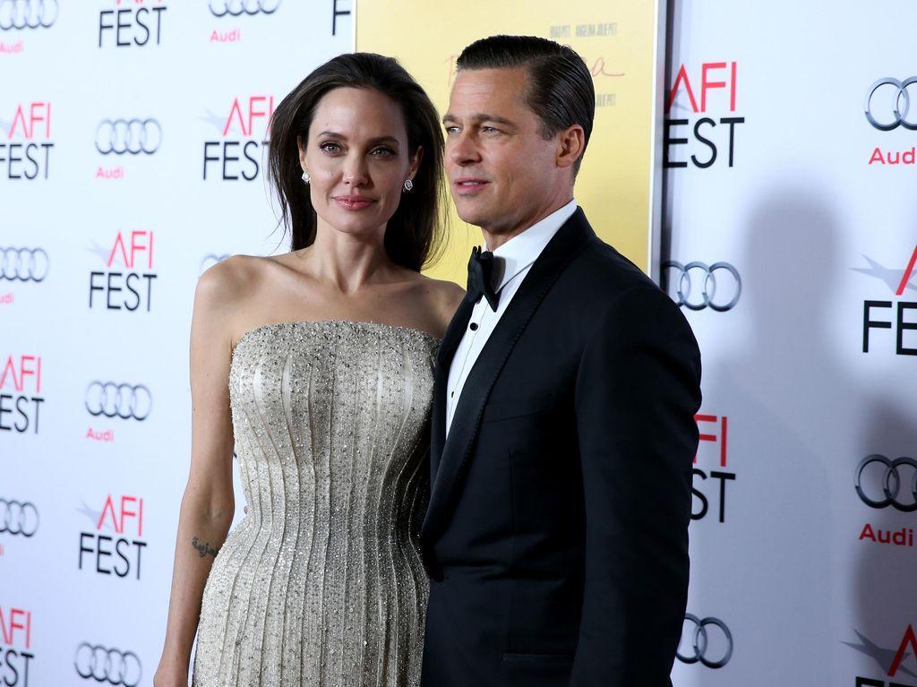 Anaknya Dioperasi, Angelina Jolie dan Brad Pitt Kompak