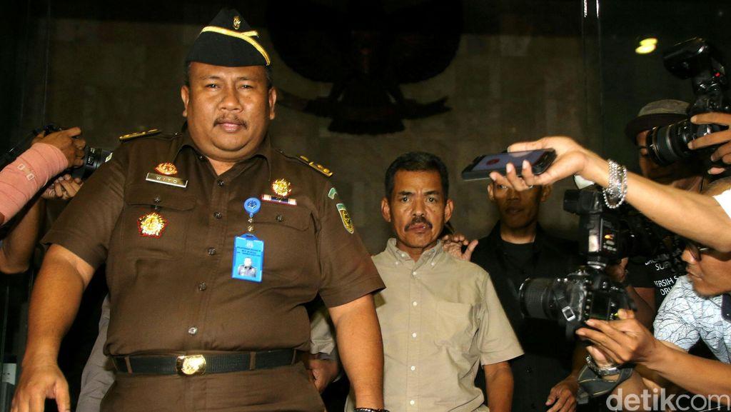 Farizal Tinggalkan KPK dengan Dikawal Ketat Koleganya