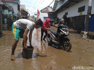 Kisah Tragis Korban Banjir Garut: Pulang Acara Lamaran, Epi Kehilangan 3 Kerabatnya
