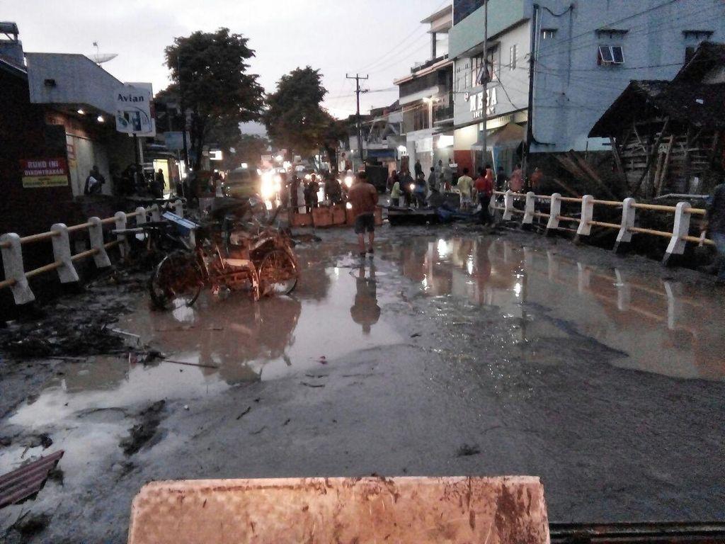 Banjir Bandang dan Longsor di Garut: Ada Korban Hanyut dan Rumah Rusak
