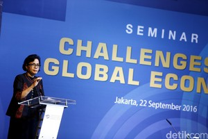 "Sri Mulyani Hadiri Seminar ""Challenges to Global Economy"""