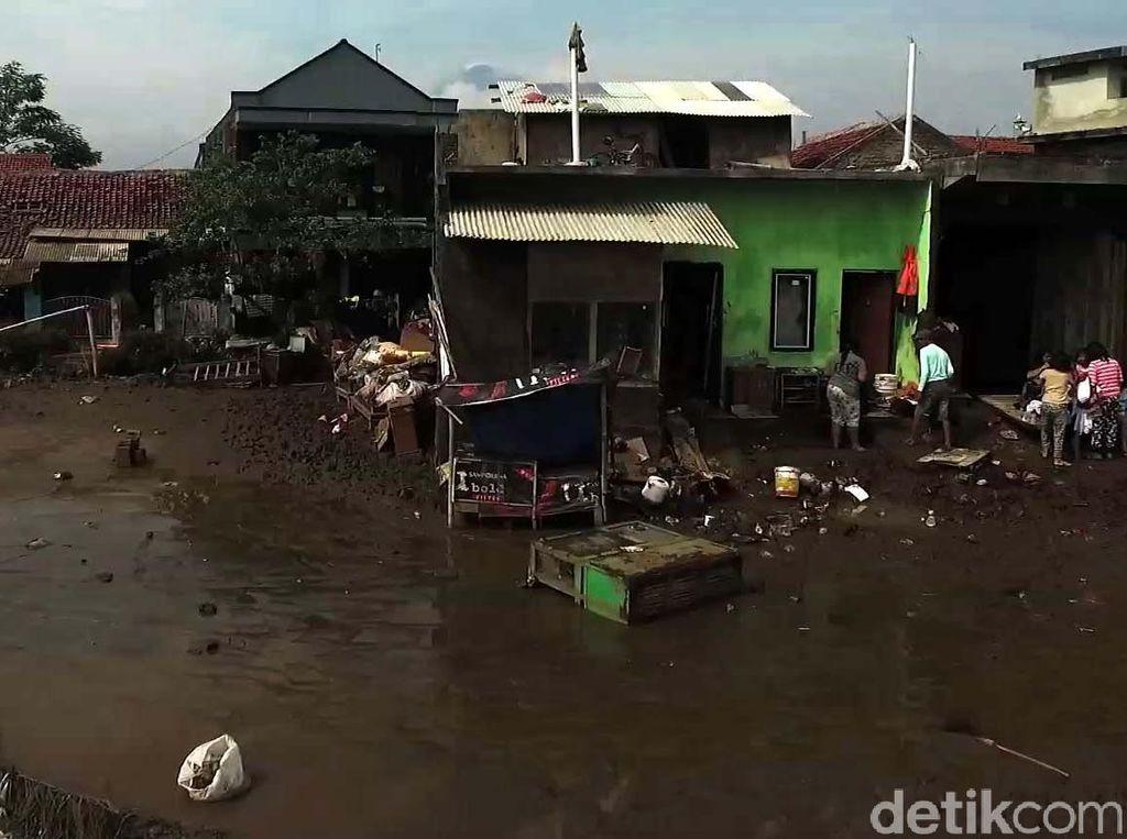 Korban Tewas Banjir Garut Mencapai 27 Orang