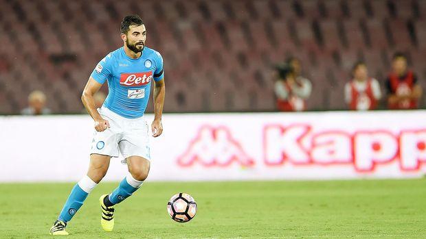Raul Albiol saat masih berkostum Napoli.