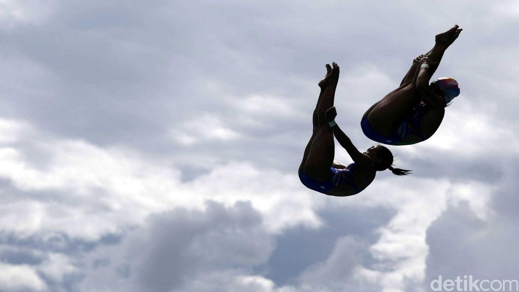Tantangan Atlet Loncat Indah di Tengah Bulan Puasa