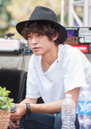 Pasca Skandal Video Seks, Jung Joon Young Kembali ke 2 Days 1 Night?