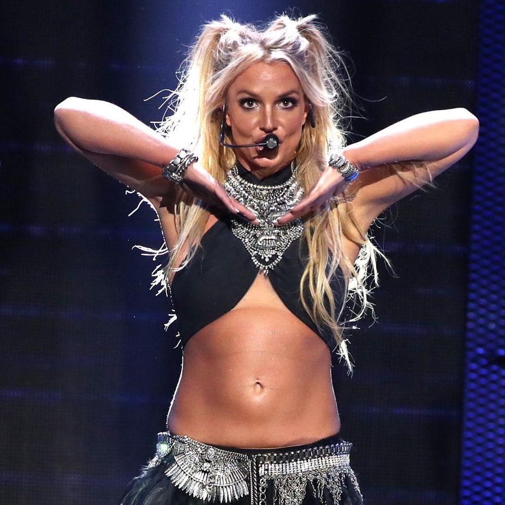 Britney Spears Selebriti Paling Disukai Ketimbang Kim Kardashian