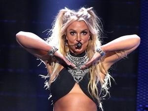 Pria Ini Habiskan Rp 1 M Agar Mirip Britney Spears